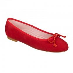 Bailarina ante rojo