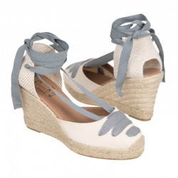 Zapato tipo ingles, con hebilla lateral, color negro. Modelo Dublín.