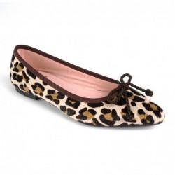 Bailarina pelo potro leopardo