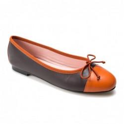 Bailarina marrón y naranja