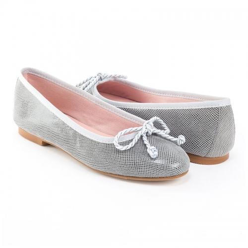 Las manoletinas, un calzado muy torero